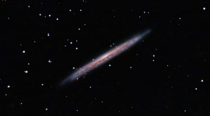Galaxia espiral (Astilla) – NGC5907